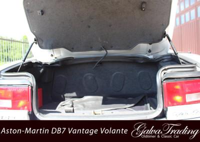 Aston-Martin-DB7-Vantage-Volante-26