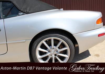 Aston-Martin-DB7-Vantage-Volante-8