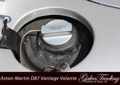 Aston-Martin-DB7-Vantage-Volante-9