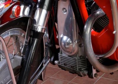 Moto-Guzzi V7 850 GT201506128015