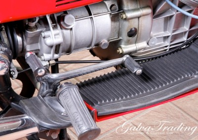 Moto-Guzzi V7 850 GT201506128018